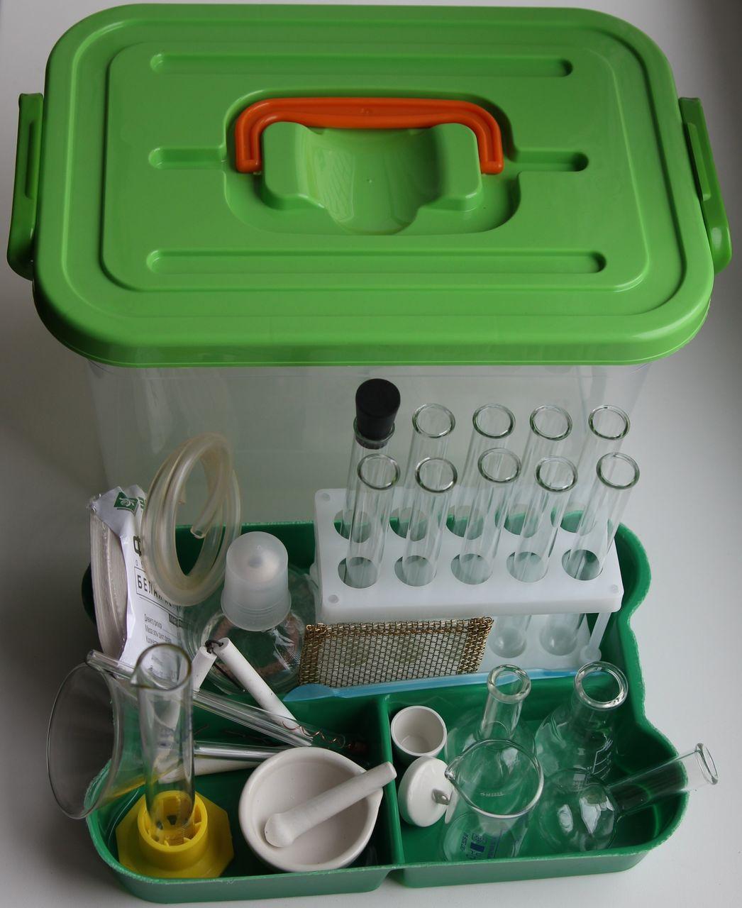 лоток_с_посудой_и_принадлежностями